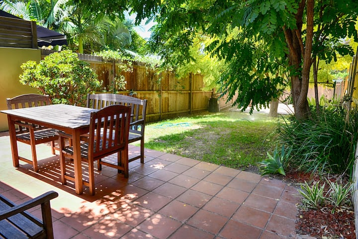 2Bed Garden Apartment in Coogee