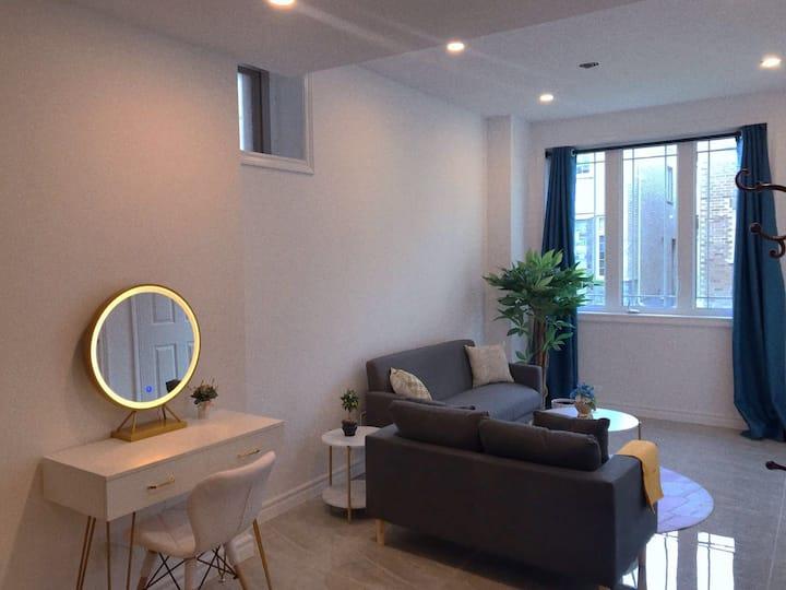 Brand new private studio w/h kitchen & bathroom