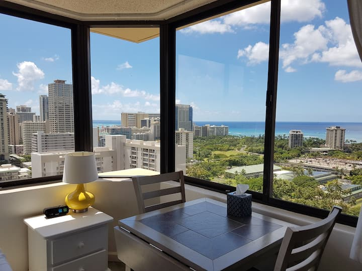 28F Panorama Ocean View Studio with Full Kitchen!