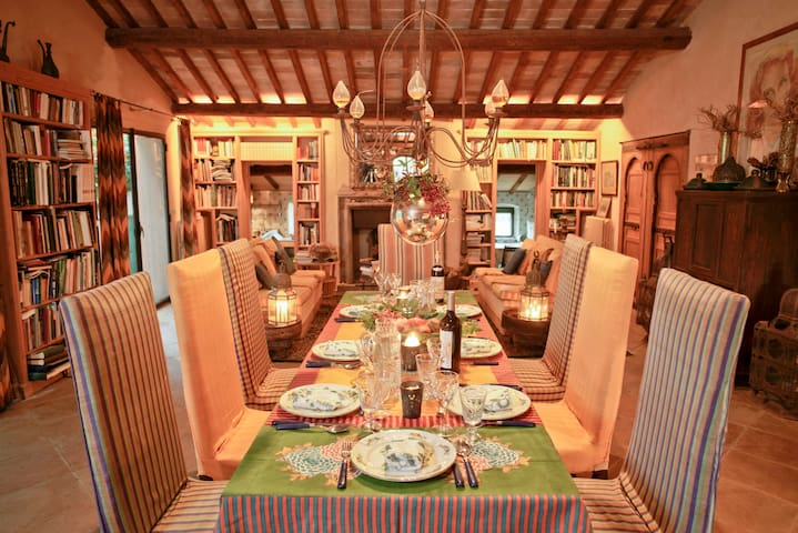 Capalbio, Elegant Villa with out standing park
