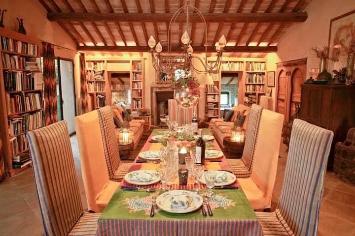 Capalbio, Elegante Villa con meraviglioso parco