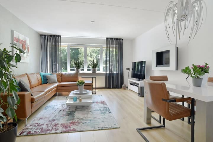 Big two floor apartment (75m2), free parking