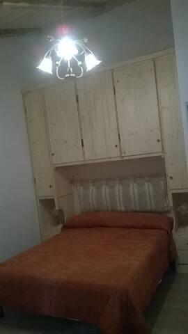 Camera letto alla francese