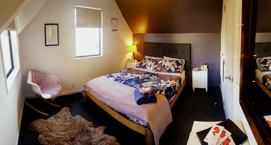 CBD Perfect Central Room - Exceptional Value