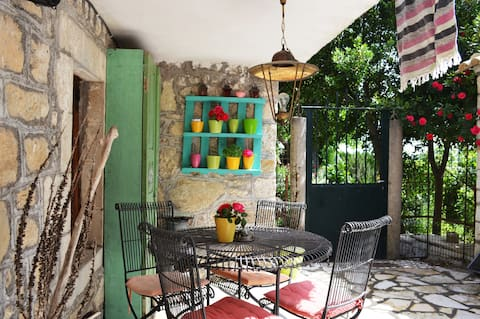 -Astraeos- House 15 min from Lefkas, 6 people