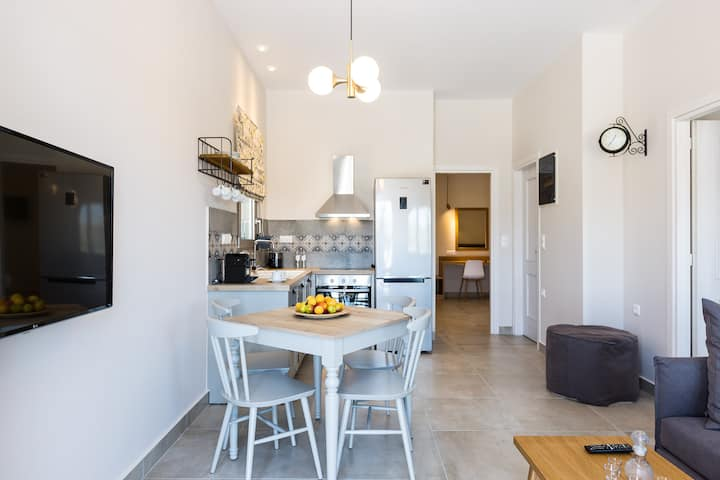 Panorama - Superior Two Bedroom Apartment (Menta)