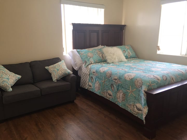#1 COZY 2 BEDS, 2 BATH Mini HOTEL DIRECTV NETFLIX
