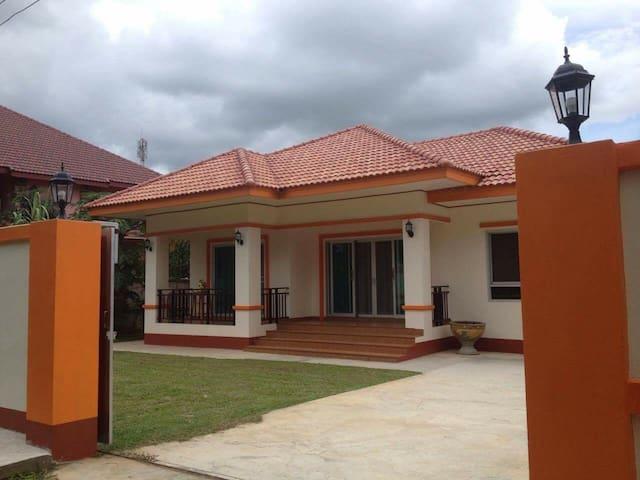 Janson's House ยันสันเฮาส์ - Mueang Chiang Rai - Huis
