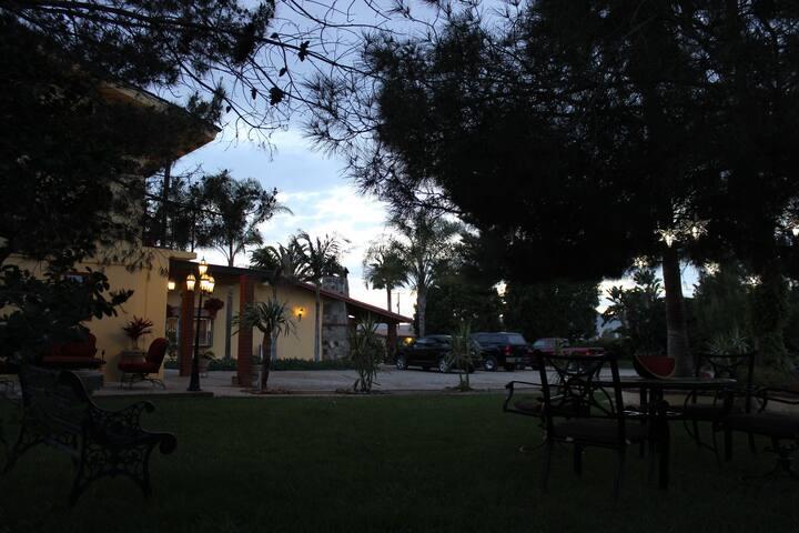 Hab. Pequeña #B, Rancho Campanario