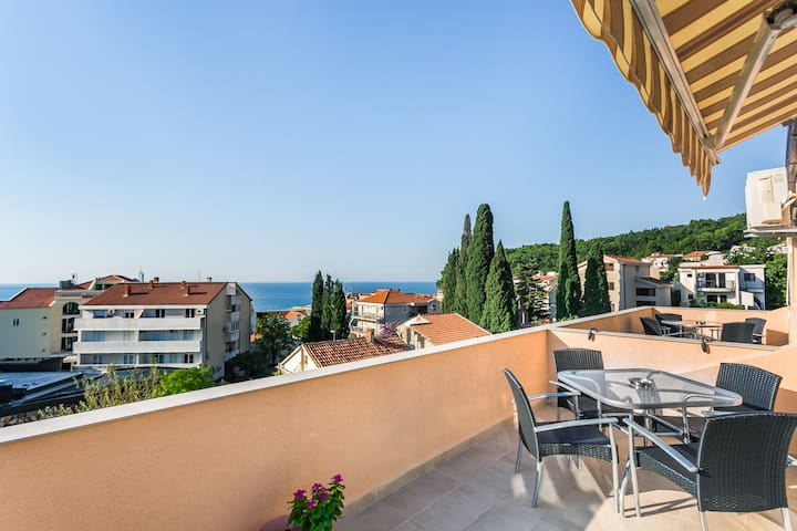 Apartment Aleksandar Lux 2 bedroom with sea view