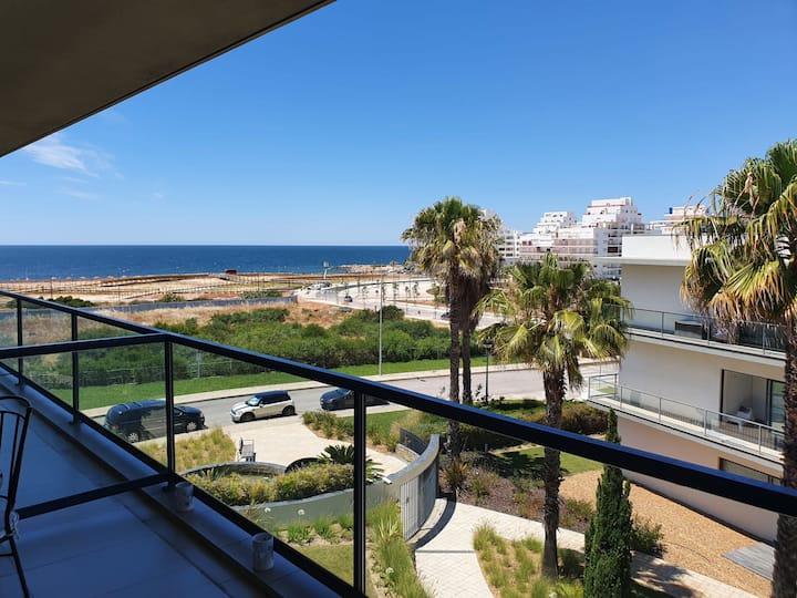 Luxury Beach Apartment in Cavalo Preto Condominium
