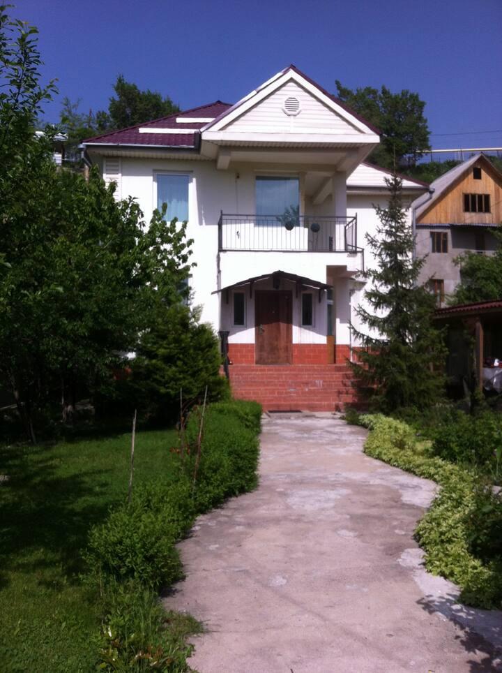 Дом Алтая