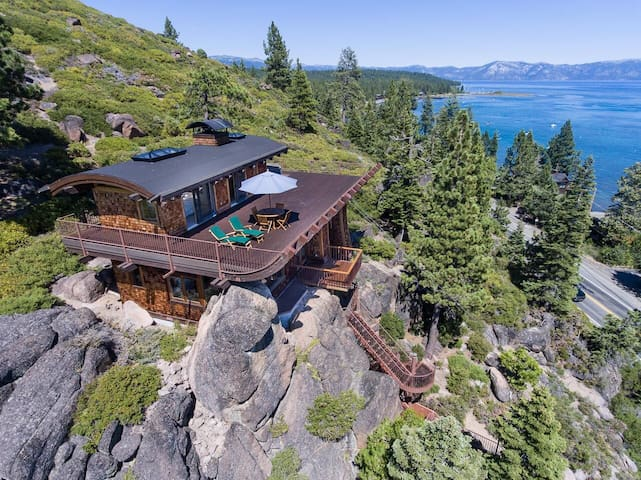 Private Lake Tahoe retreat with great views. - Tahoe City - Hus