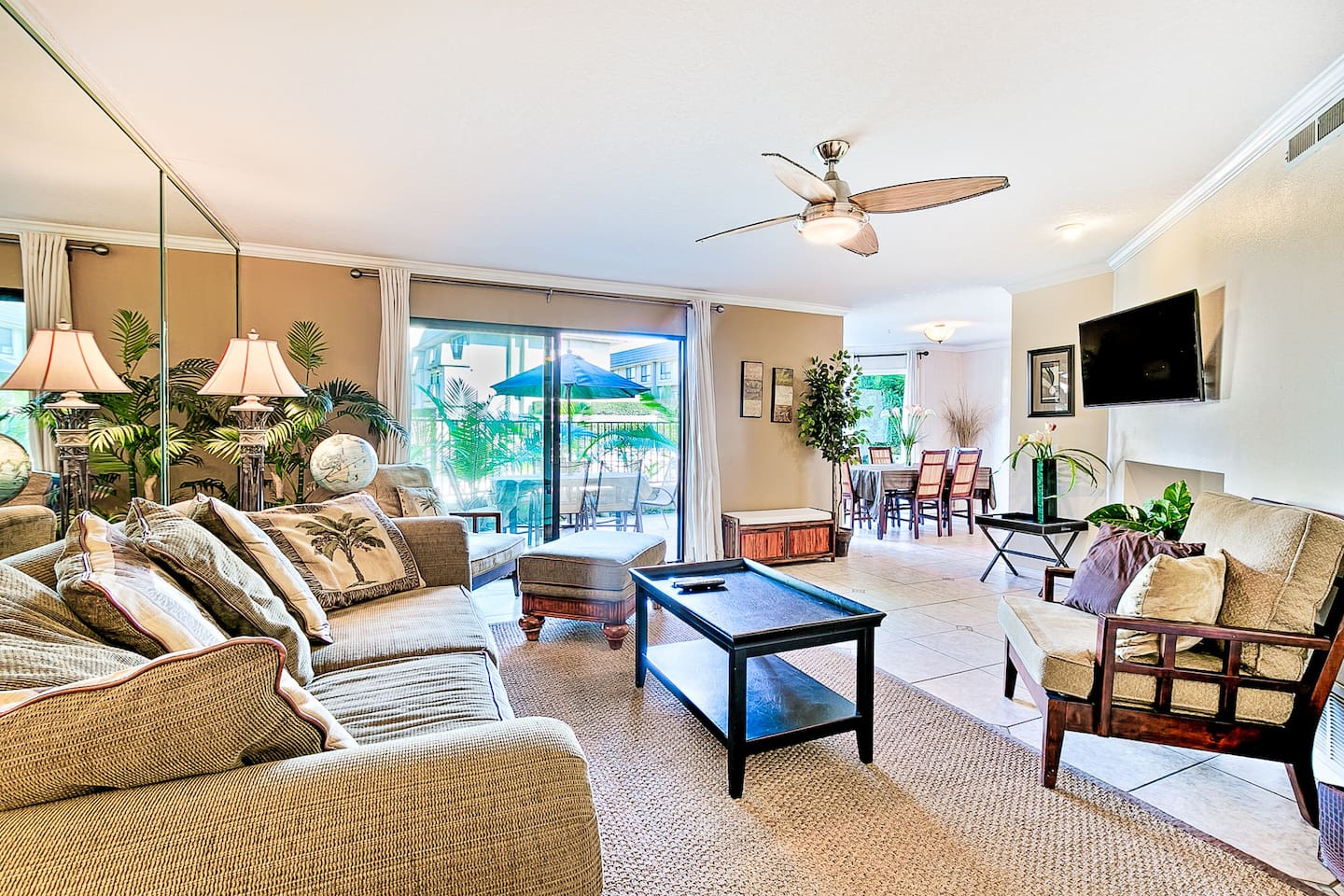 As you enter this comfortable home, you will see beach style furnishings in the living space and lots of natural light coming through the big windows. The living space flows right into the dining area with seating for 6, which overlooks the heated pool area.