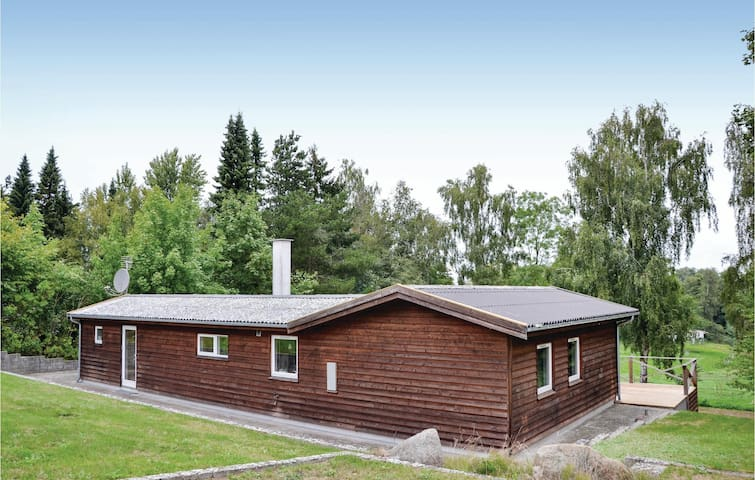 Holiday cottage with 3 bedrooms on 84m² in Jægerspris