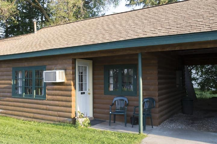 3* Riverfront Resort Cabin 3. Kayak, Swim, Adventure+++