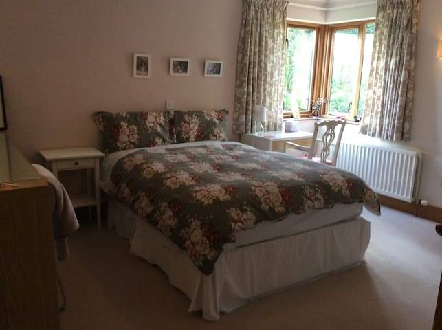 Double Ensuite room in the country (The Pink Room) - Comber - Bed & Breakfast