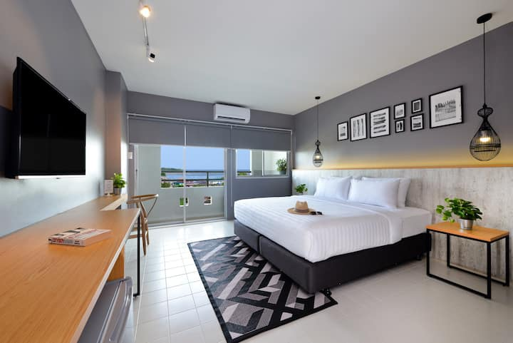 Seaview  boutique residence