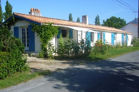 Maison Marais de poitevin en bord de sèvre - Taugon