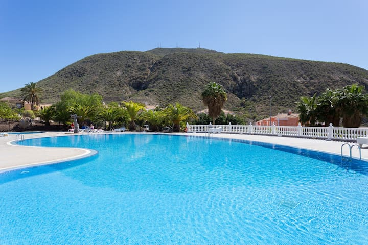 Spacious apartment with pool! - Arona - Daire