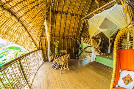 Stay with a Balinese Family in eco-friendly house!