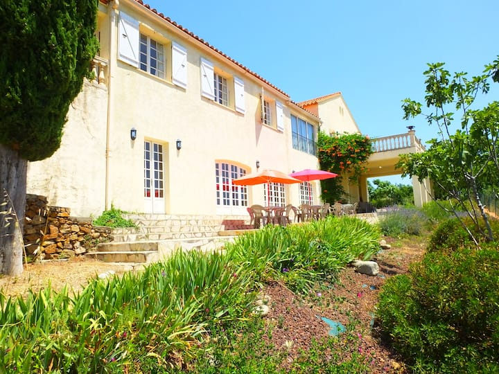 Large Villa With Pool In The Hills Above Ceret
