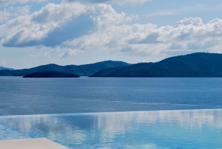 Private Luxury Villa-Infinity One- Palawan