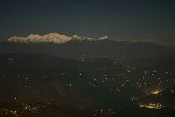 kili dhi (a mountain house)