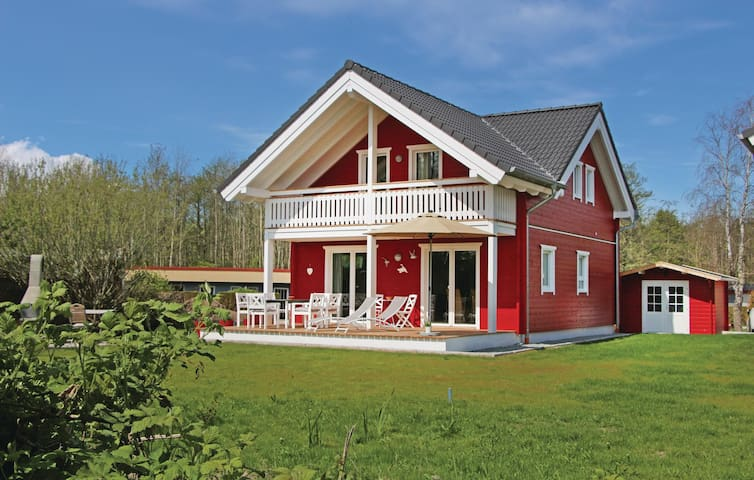 Holiday cottage with 3 bedrooms on 90m² in Süssau/Ostsee