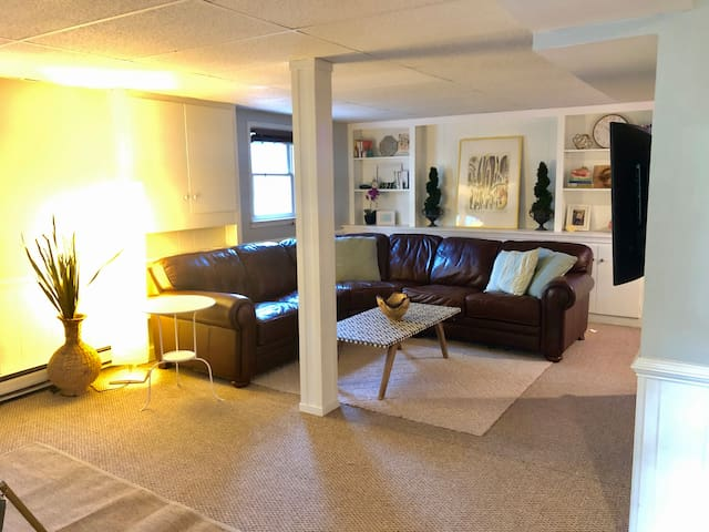 Private 2 bedroom suite in charming Boonsboro