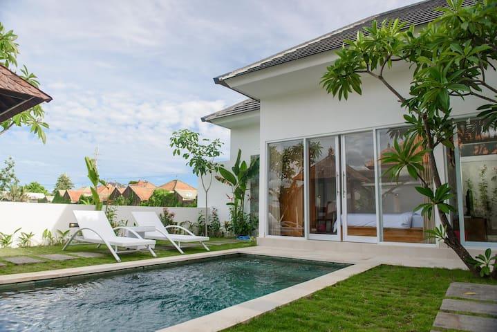 2 BR Villa Anna 4, Few minutes drive to Beach