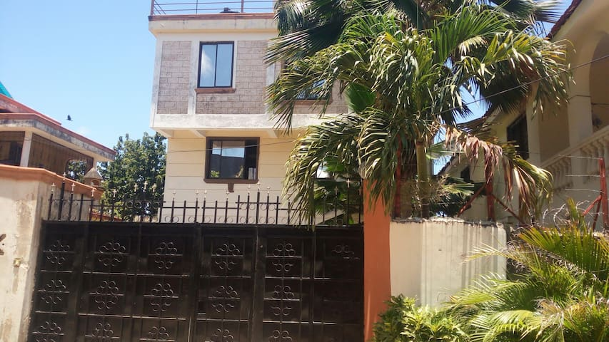 Spacious Nyali house with 3 beds - Mombasa - Casa