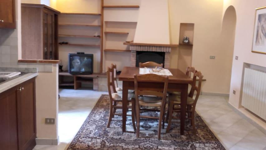 Appartamento tipico nel cuore di Tarquinia - Tarquinia - Apartemen