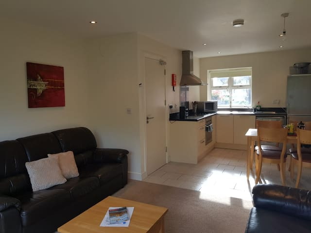 Lovely Self Catering 1 bed Apartment. Quiet area.