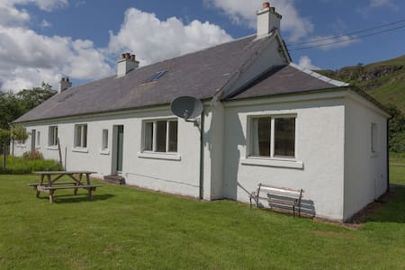 On one floor, beautiful views of hills & fields - Lochcarron