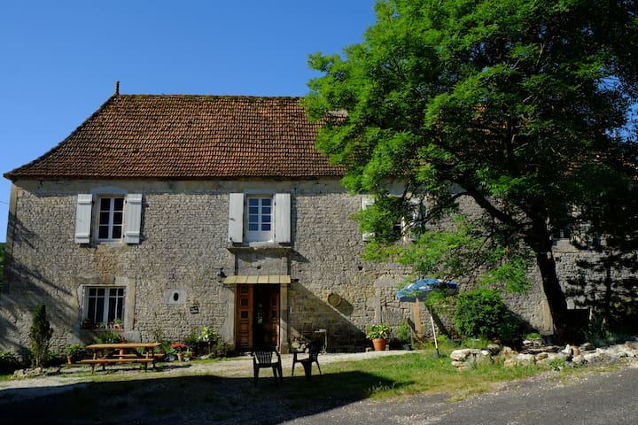 Roquedure Farm - Montfaucon