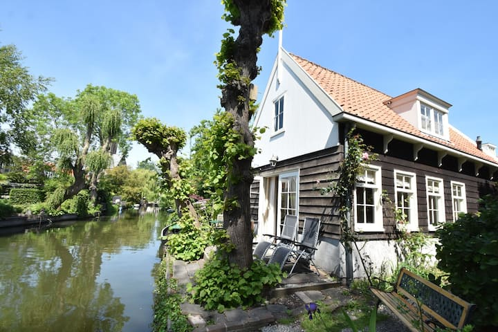 Casa vacacional excepcional en Holanda del Norte con vistas al jardín