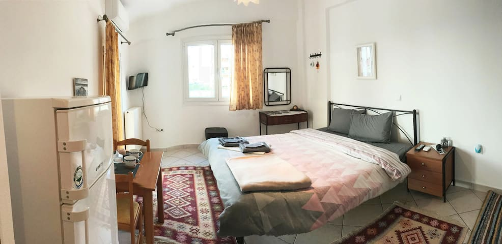 ILEKTRA Studio Apartment
