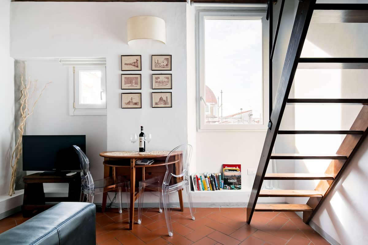 Renovated Historical Loft Apartment