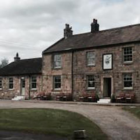 Fernaville's Rest at Whorlton [Rm1]