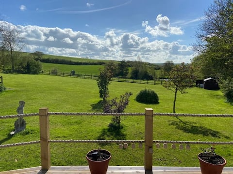 Countryside lodge within the heart of North Devon!
