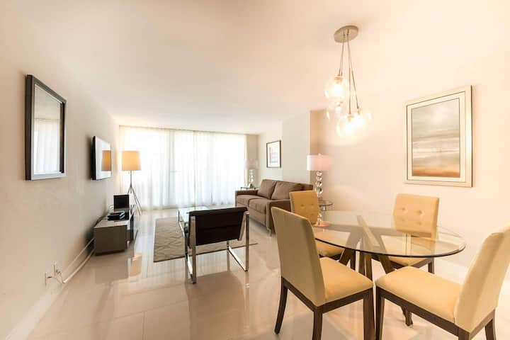 The Grand Downtown Miami | Luxury One Bedroom Bay View | Free Parking