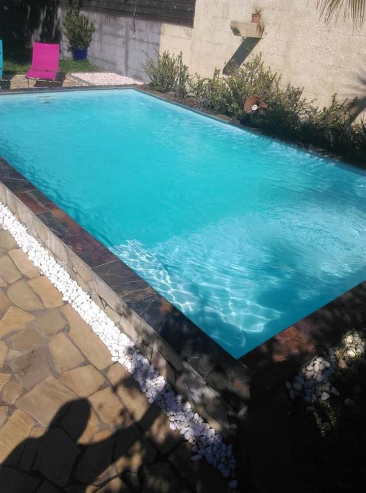 House with one bedroom in Ravine des Cabris, with wonderful mountain view, shared pool, furnished garden - 7 km from the beach