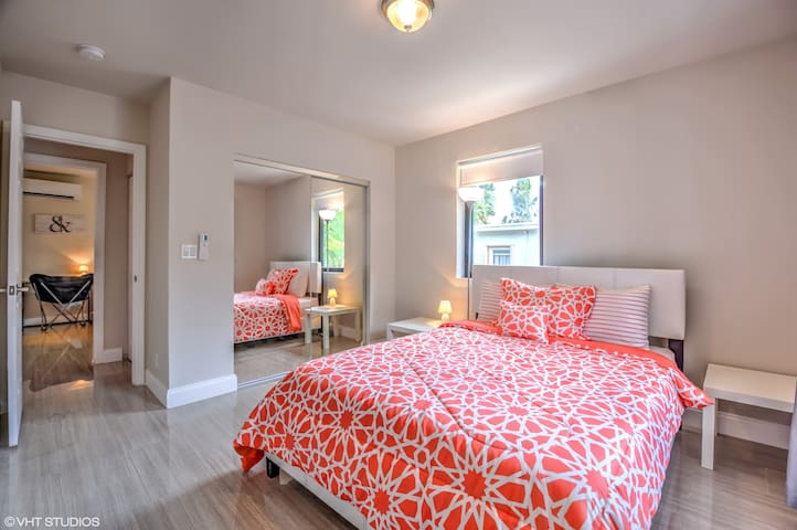 (8/3)Family Friendly in Upscale Area
