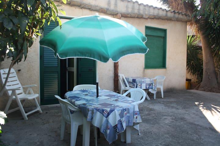 Casa a 200m dal mare nel centro di Selinunte - Marinella - House