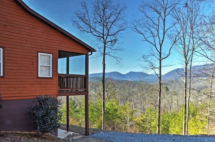'Tranquility' Young Harris Home w/Mountain Views!