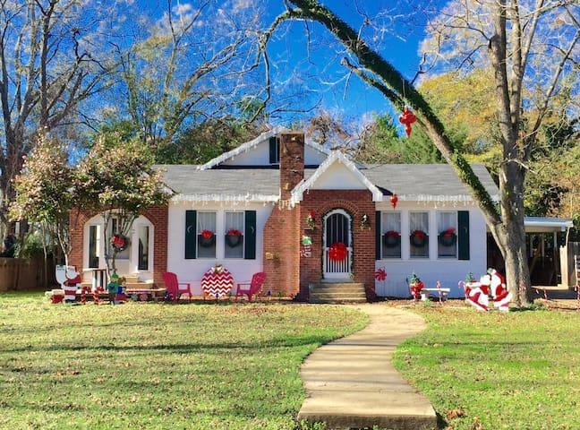 The Sugarplum Cottage