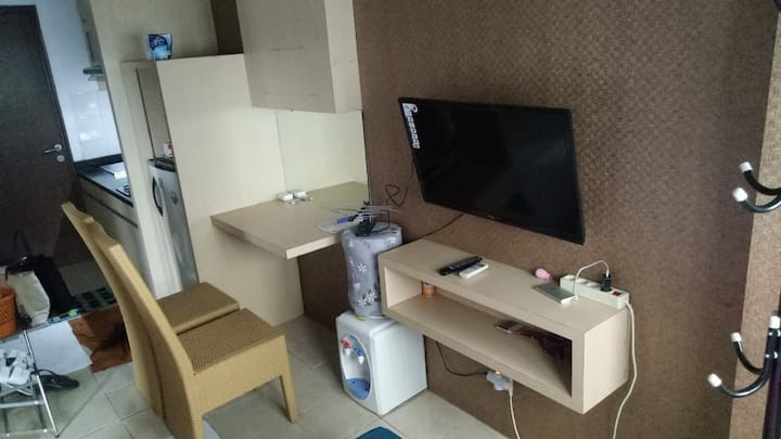 studio room in metro apartement