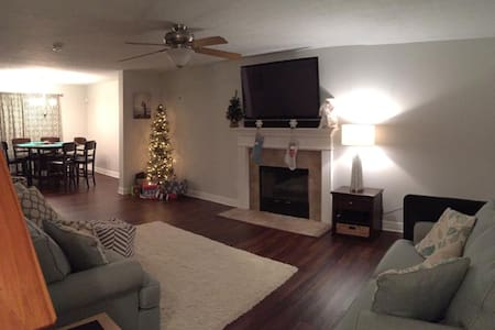 $155/nt Beautiful!! Close to GEORGETOWN COLLEGE! - Georgetown - Haus