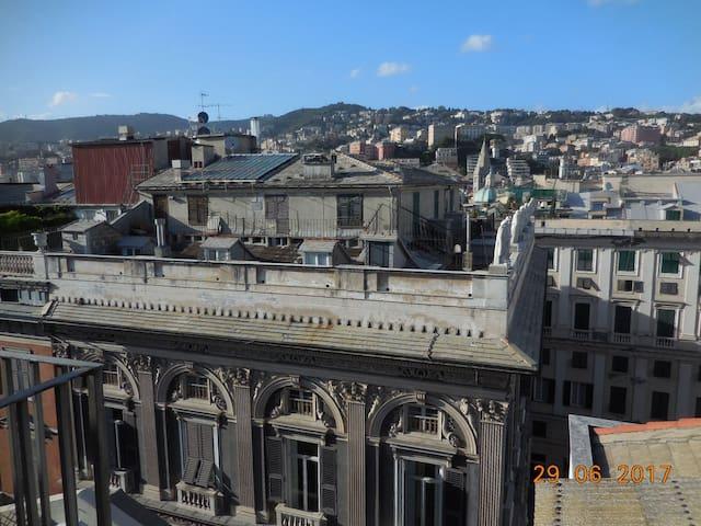 Vista dal soggiorno sulla principale Via San Lorenzo - View from the living room on the main road, Via San Lorenzo